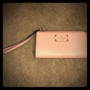 Kate Spade zip around wallet & wristlet